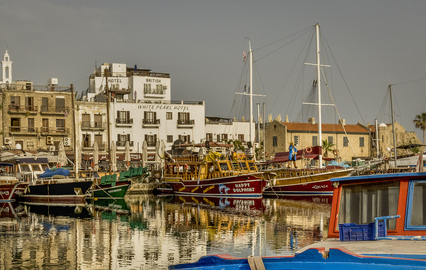 This image has an empty alt attribute; its file name is Girne-harborB_DSC4203-2.jpg